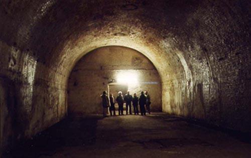 Gewölbekeller im Untergrund im Prenzaluer Berg