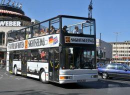 Hop-On-Hop-Off-Bustour mit Live-Kommentar
